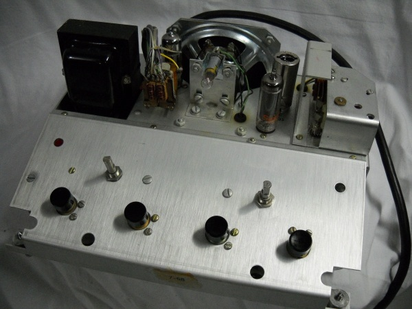 Teletrainer chassis top