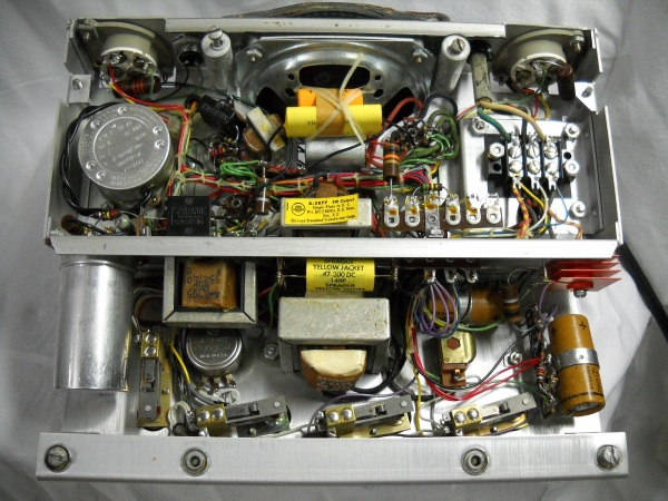 Teletrainer chassis bottom